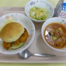 協立給食株式会社 八王子市内の中学校