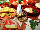 スペイン料理レストランのホールスタッフ