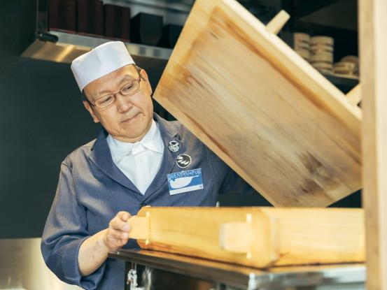 お仕事しながら、ふぐの調理師免許取得が目指せます!