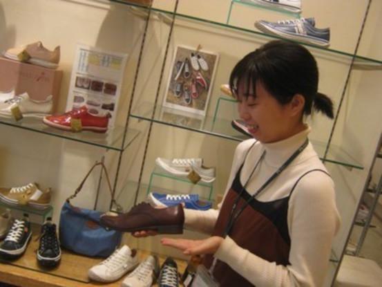 【学生さん大歓迎!】靴の販売♪ピッタリな1足を見つける...